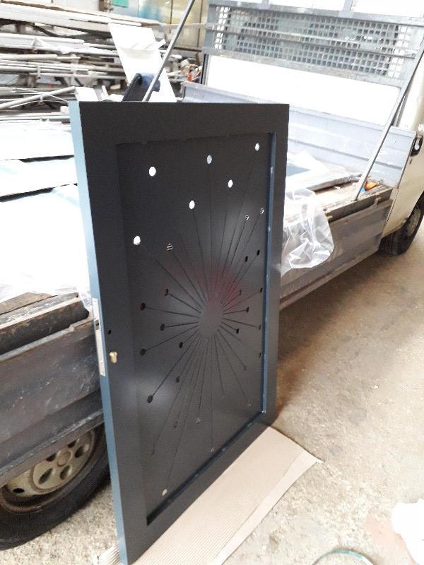 Fabrication sur mesure d'un portail portillon alu